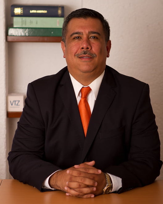 Rafael Alday, Abogado, VTZ, Laboral